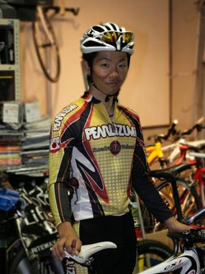 日本大学自転車競技部主将・住吉宏太(すみよし こうた)選手を金栄堂サポート!_c0003493_1546473.jpg