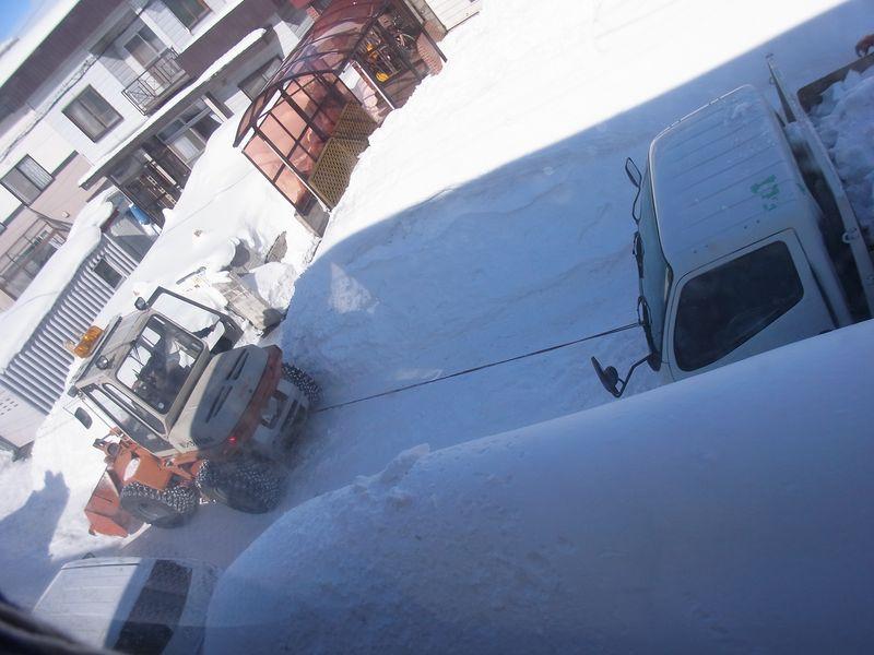 動けなくなったトラックをトイ・カメラ・アプリで遊ぶ_c0025115_2344458.jpg