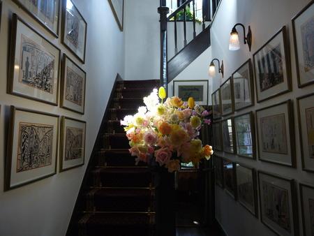 シェ松尾松濤レストラン様の装花 河津桜と春の花のパステルミックスで _a0042928_20594879.jpg