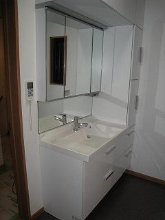 洗面所・ユニットバス・室内建具のリフォーム_b0230638_16144541.jpg