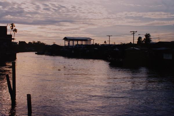 バンコク運河散歩 #13_b0131470_1245421.jpg
