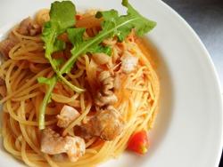 2/23本日のパスタ:鶏肉とフレッシュトマトのスパゲティ_a0116684_11541040.jpg