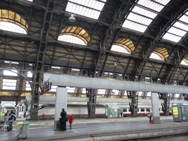 線路は続くよ~♪どこまでも・・コートダジュール列車の旅_b0210699_22583777.jpg
