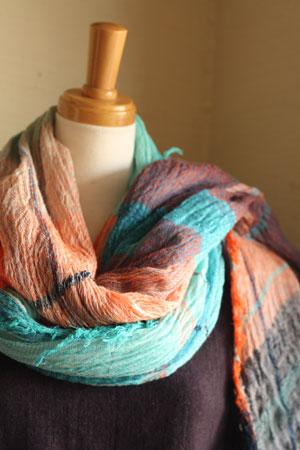 shawl (tamaki niime)_c0118809_2125512.jpg