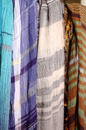 shawl (tamaki niime)_c0118809_21275389.jpg