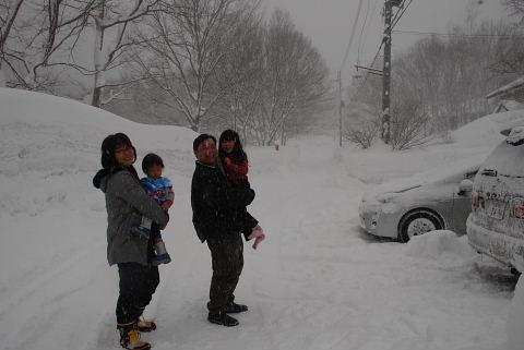 24日 日曜  吹雪 -9度_f0210811_1751276.jpg