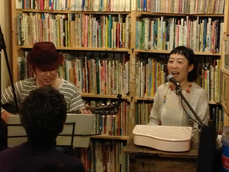 増田裕子さんと佐藤克彦さんのライブをしました。_c0192615_7563644.jpg