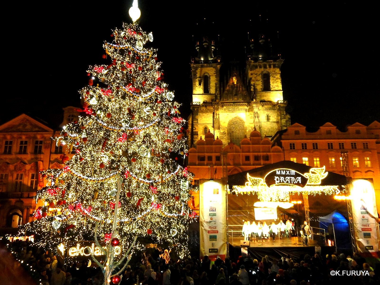 プラハ 14 旧市街広場のクリスマスマーケット_a0092659_22151791.jpg