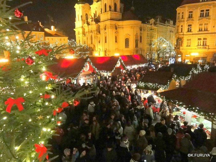 プラハ 14 旧市街広場のクリスマスマーケット_a0092659_2225383.jpg