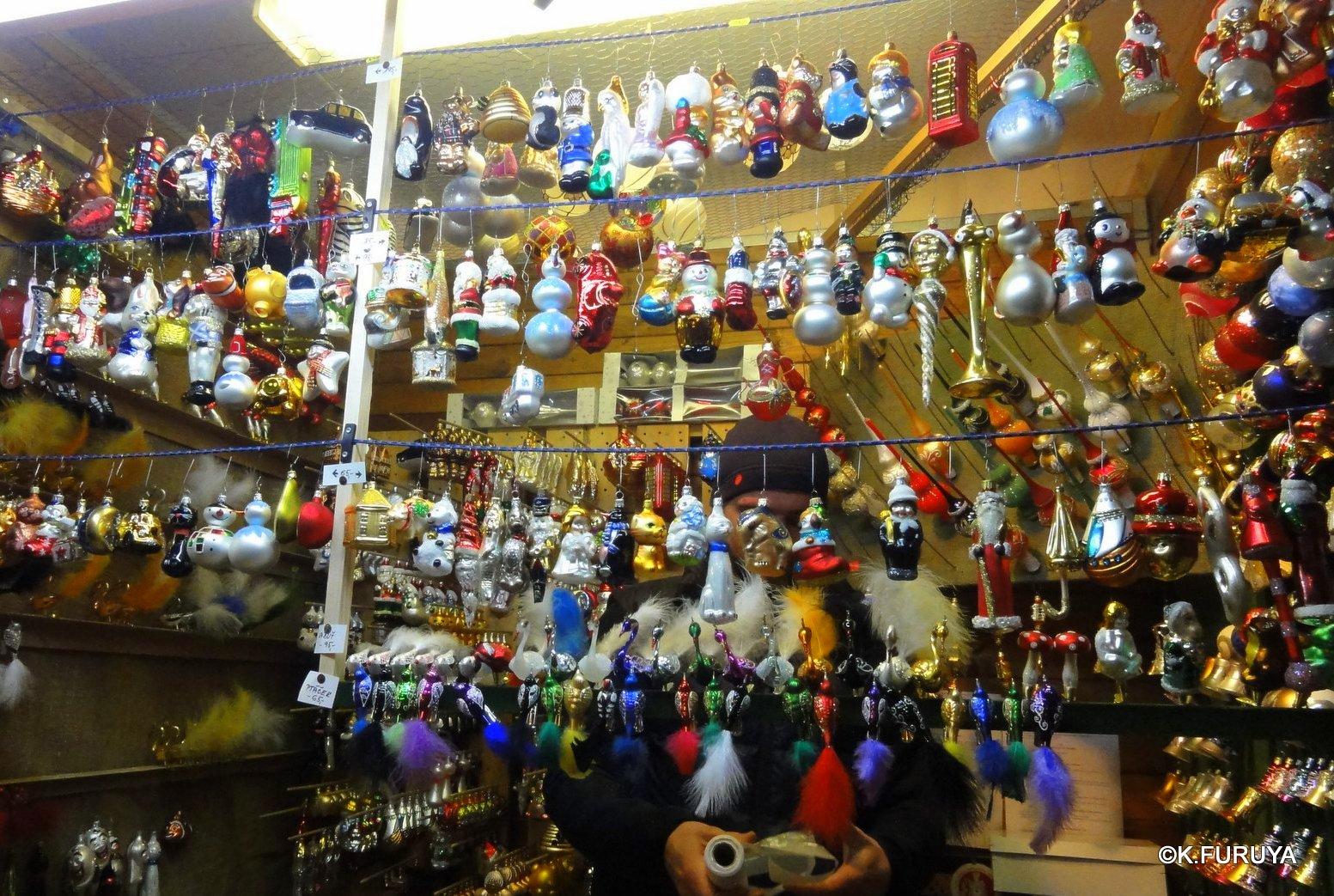 プラハ 14 旧市街広場のクリスマスマーケット_a0092659_23215251.jpg