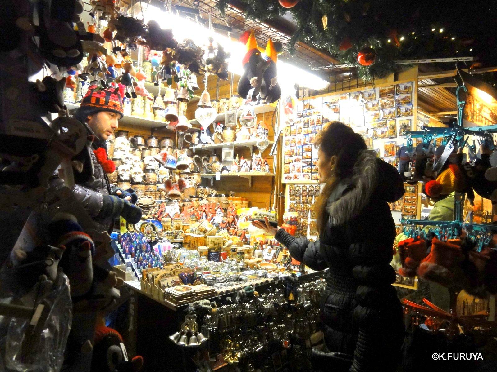 プラハ 14 旧市街広場のクリスマスマーケット_a0092659_23232346.jpg