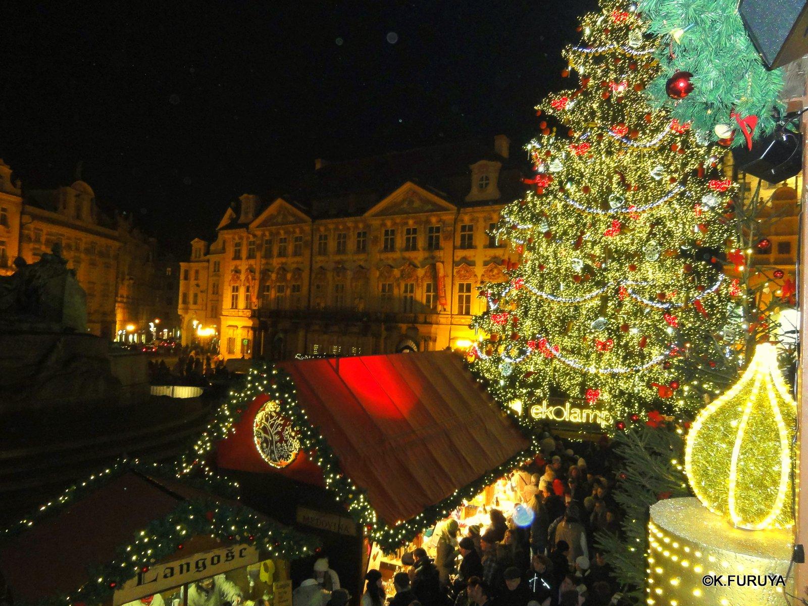 プラハ 14 旧市街広場のクリスマスマーケット_a0092659_2328090.jpg