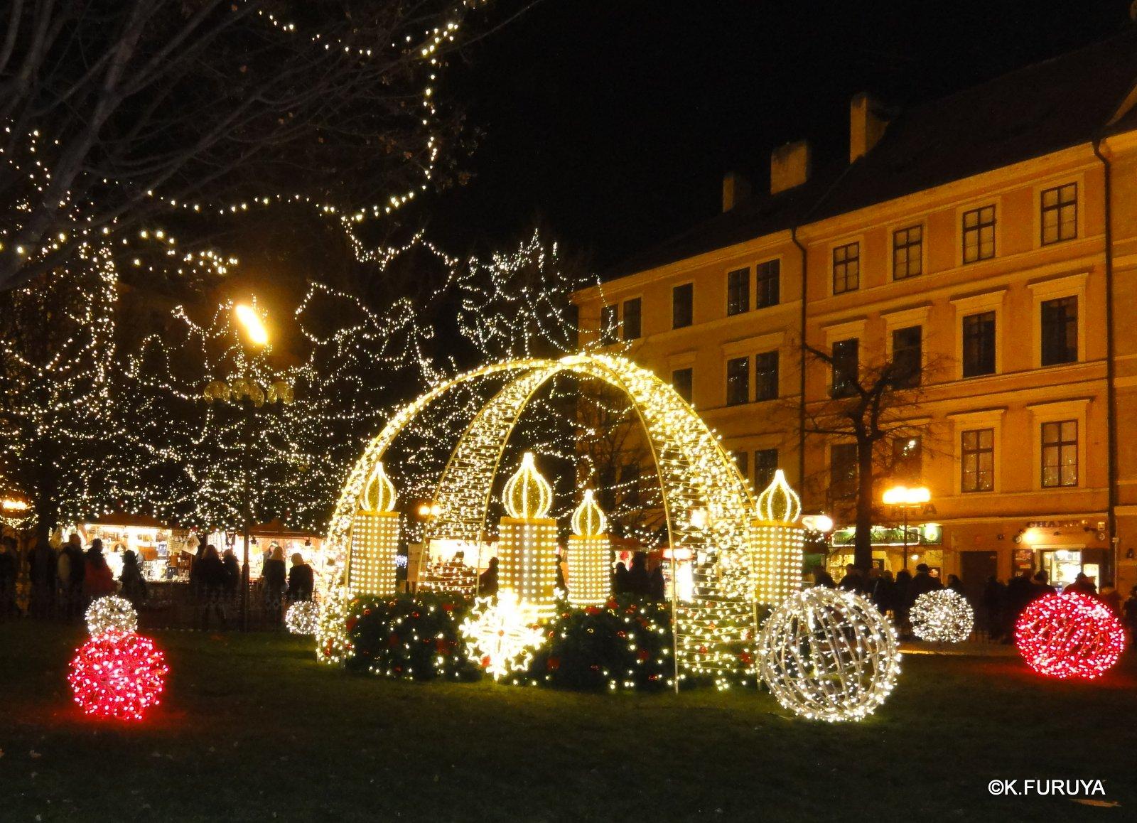 プラハ 14 旧市街広場のクリスマスマーケット_a0092659_23313930.jpg