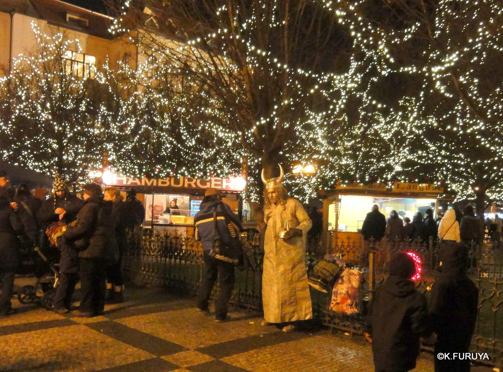 プラハ 14 旧市街広場のクリスマスマーケット_a0092659_2343438.jpg