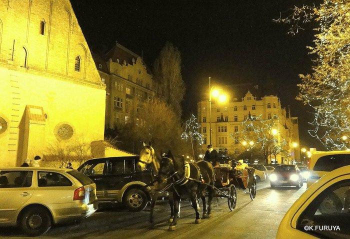 プラハ 14 旧市街広場のクリスマスマーケット_a0092659_23471271.jpg