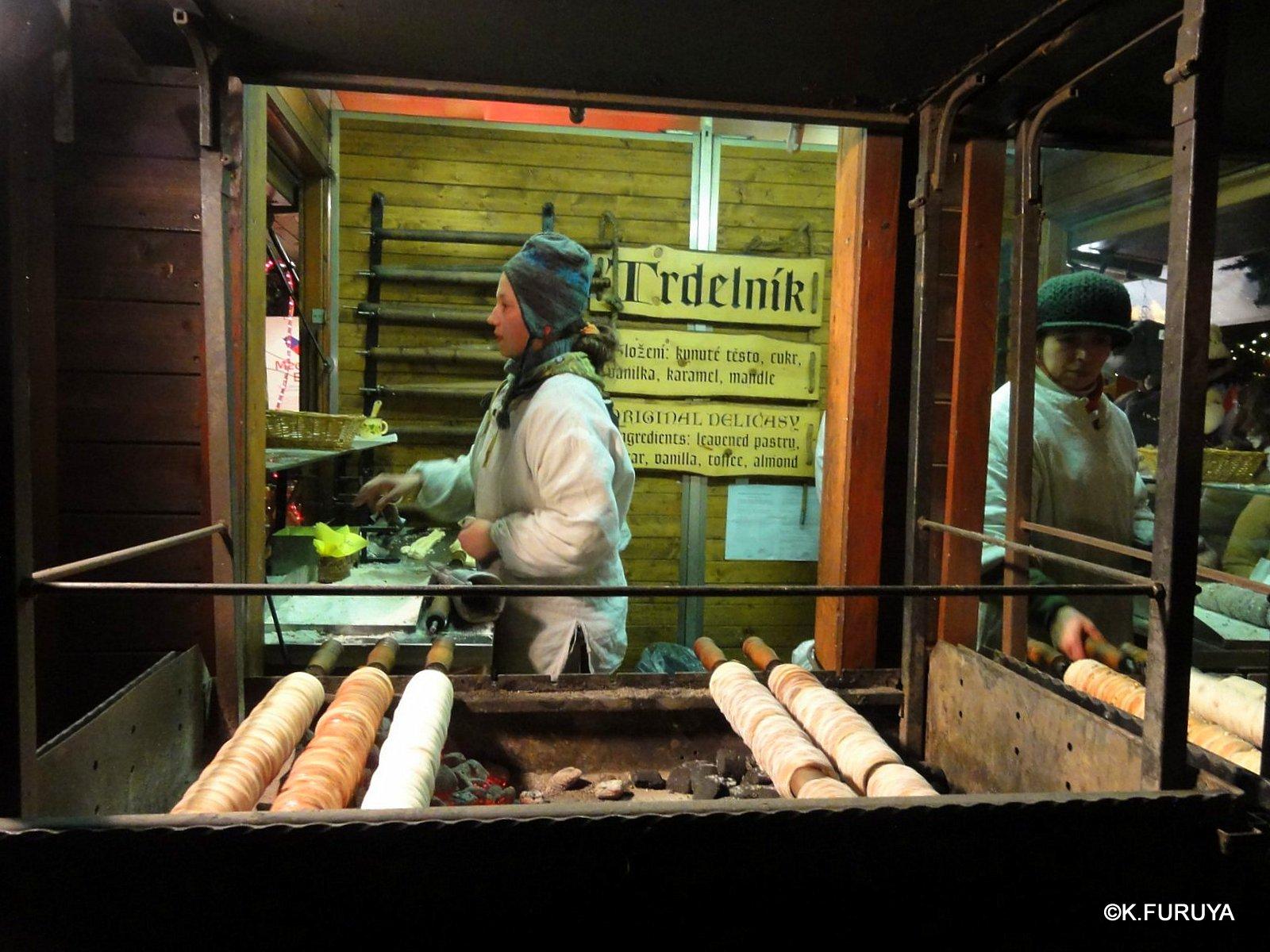 プラハ 14 旧市街広場のクリスマスマーケット_a0092659_239061.jpg