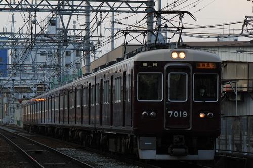 阪急7019F 臨時急行 _d0202264_19153923.jpg