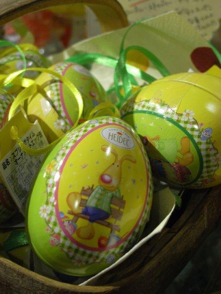 ウサギのパスタとエッグ缶入りチョコレート_c0173874_20404379.jpg
