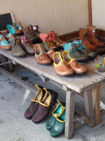 靴屋さん 28日まで_b0205288_1837133.jpg