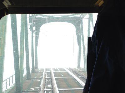 鉄橋猛吹雪_e0054299_1345181.jpg
