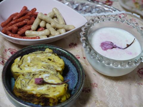 ナナママカフェ ふるふる杏仁豆腐始めました。_b0116313_21542972.jpg