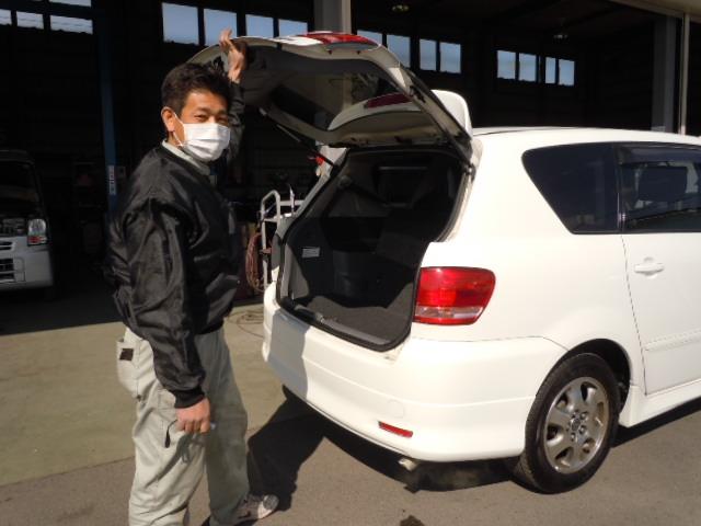 お車検査中の社長(^^♪_c0213517_1422447.jpg