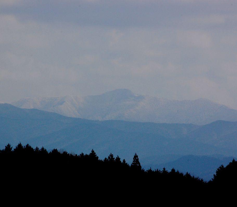 宇陀から山上ケ岳をながめた_a0237937_22355322.jpg