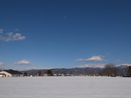 雪はまだまだ_a0014840_22414647.jpg