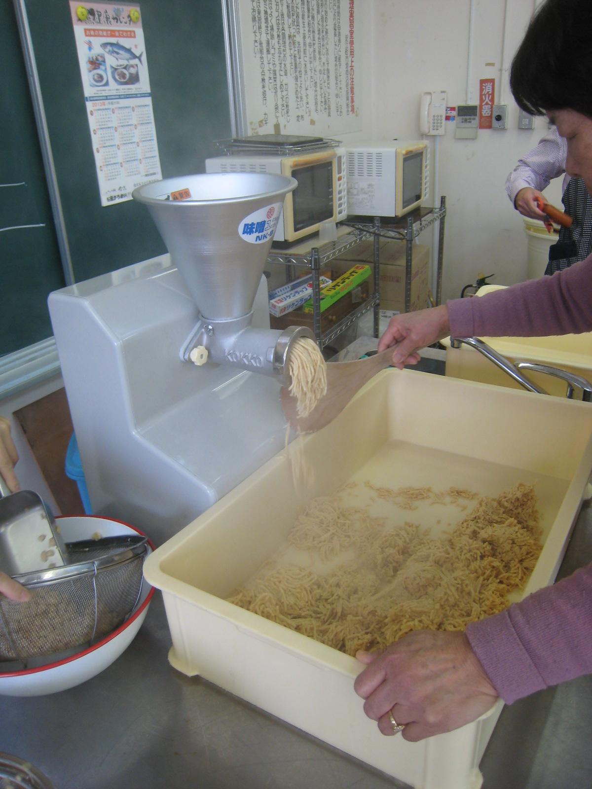 毎年恒例の味噌作りイベント_e0121558_027057.jpg