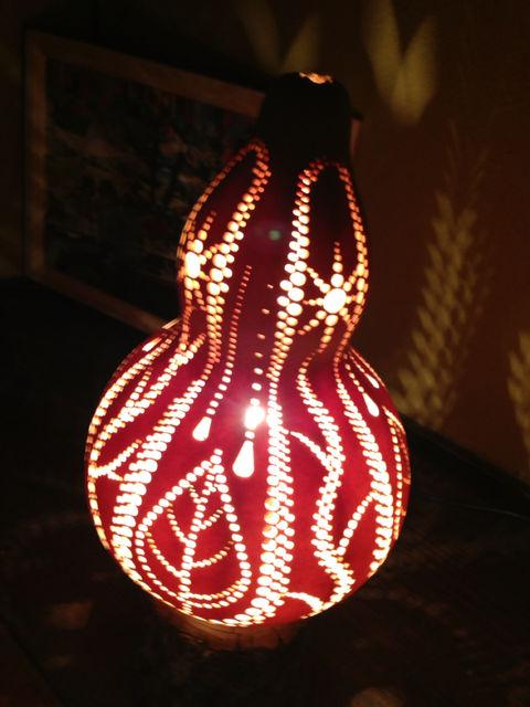妖艶な灯り  瓢展_e0115904_3421815.jpg