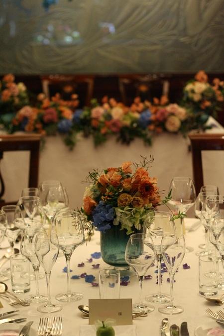 新郎新婦様からのメール 紅茶と青の金色の装花 レストランPACHON様へ_a0042928_22181223.jpg