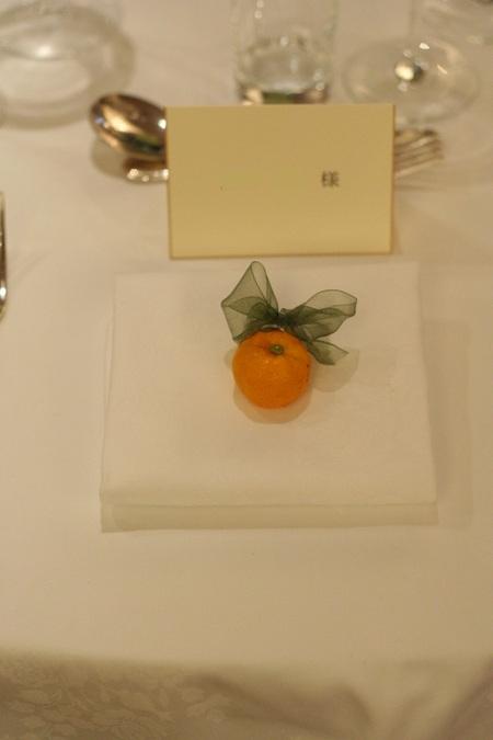 新郎新婦様からのメール 紅茶と青の金色の装花 レストランPACHON様へ_a0042928_22393049.jpg