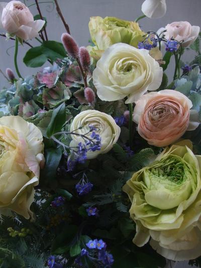 オークリーフ(ラナンキュラスと紫陽花のアレンジメント)_f0049672_1138309.jpg