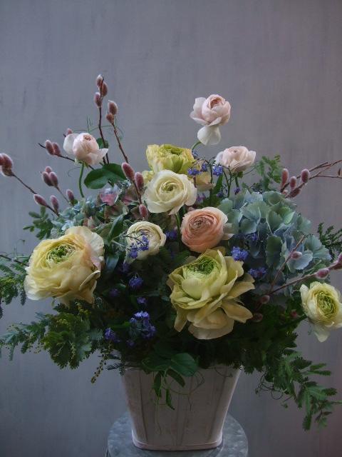 オークリーフ(ラナンキュラスと紫陽花のアレンジメント)_f0049672_1139352.jpg