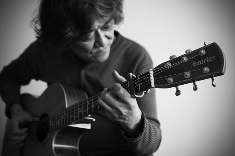 今日のゲストはギタリスト川島隆臣さん_d0272207_2132654.jpg