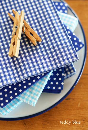 pretty blue paper napkins  プリティブルー ペーパーナプキン_e0253364_22411429.jpg