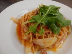 2/27本日のパスタ:鶏と新玉葱のトマトソース・スパゲティ_a0116684_11275814.jpg