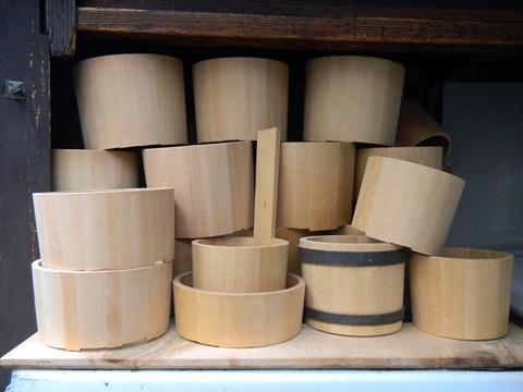 仕事場は職人のステージ 「桶類一式」 十三 樽加商店さん_c0069903_6354142.jpg