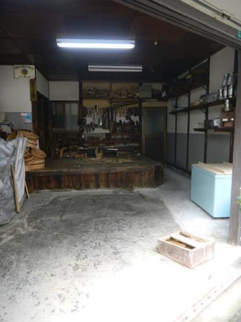 仕事場は職人のステージ 「桶類一式」 十三 樽加商店さん_c0069903_6362314.jpg