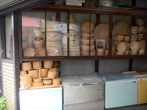 仕事場は職人のステージ 「桶類一式」 十三 樽加商店さん_c0069903_6391576.jpg