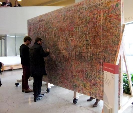 NYのグッゲンハイム美術館で日本の前衛アーティスト集団「具体美術協会」(GUTAI)の特別展_b0007805_1114097.jpg