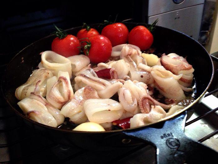 柔らかヤリイカとプチトマトのアンチョビアヒージョは美味しいじゃん!(^○^)_b0221506_14511031.jpg