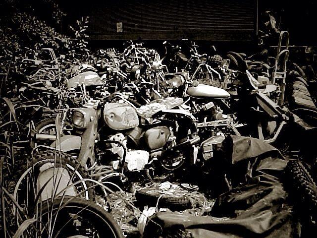「 MOTORCYCLE & SKATE 」_c0078333_22434412.jpg