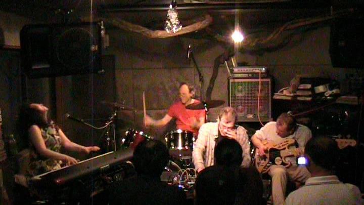 アルトー・ビーツ2013日本ツアー 詳細発表、予約開始_c0129545_1273166.jpg