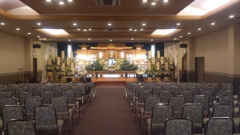 新柳のおばあちゃんの葬儀でした。_d0182179_1802179.jpg