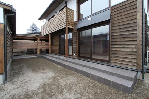 Q1X3富山の家:完成(ほぼ) 1_e0054299_1056218.jpg