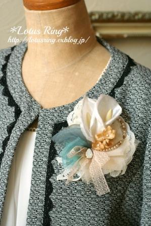 カラー布花のコサージュ*_a0169912_21595687.jpg
