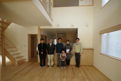 横割T邸竣工式、植栽もご入居前に完了_c0160488_19573173.jpg
