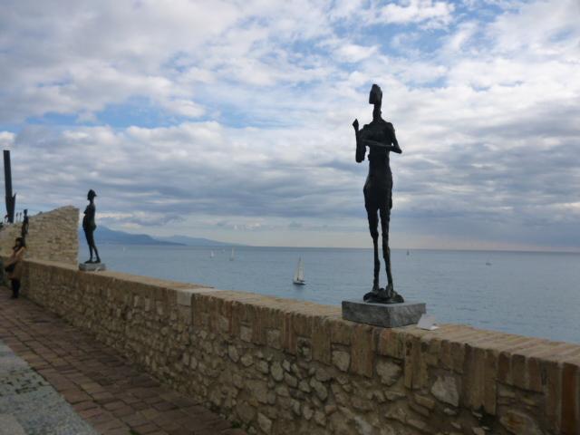 海沿いの美術館・・・アンティーブへ_b0210699_129949.jpg