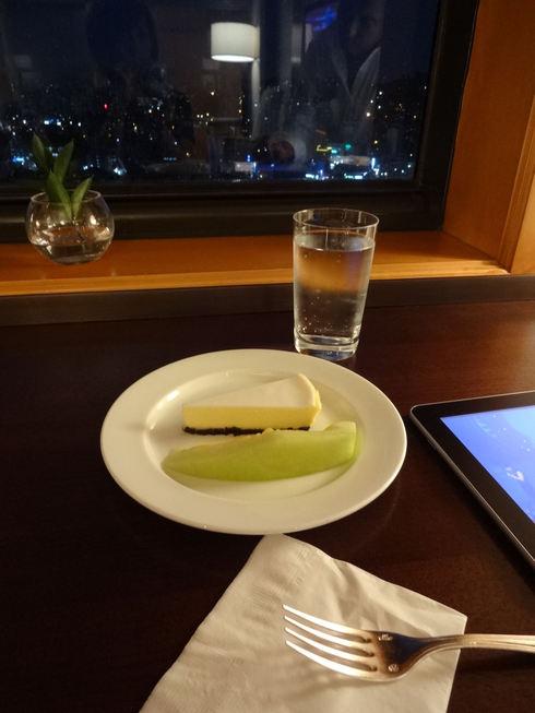 8月 ソウル旅行 その2 薬水駅 素敵カフェ「coffee a walk」_f0054260_18175955.jpg